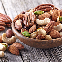 אגוזים זרעים ושימושם