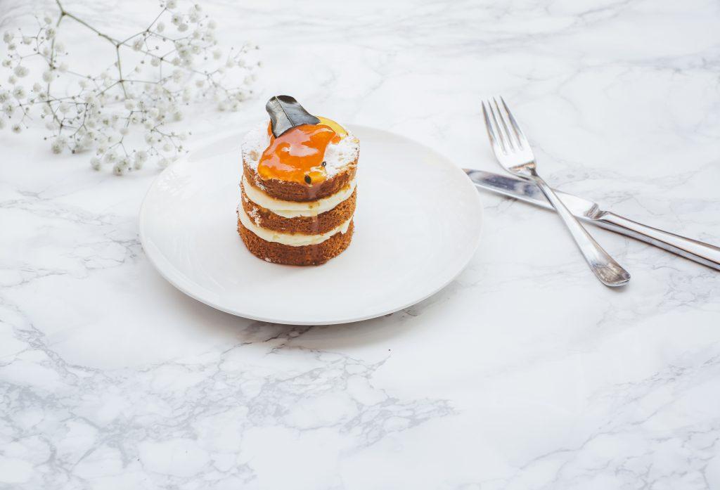 עוגת שכבות גזר וקרם