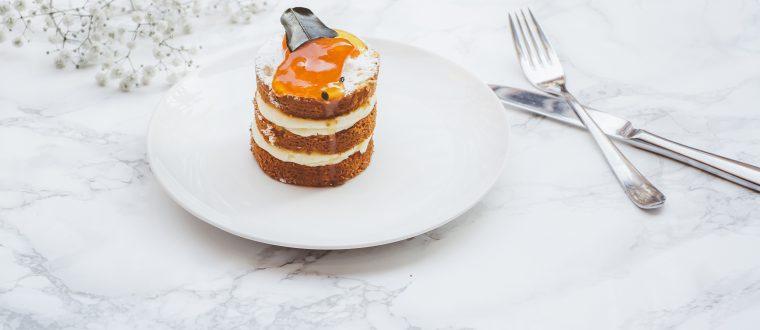 עוגת שכבות גזר וקרם ללא אפייה